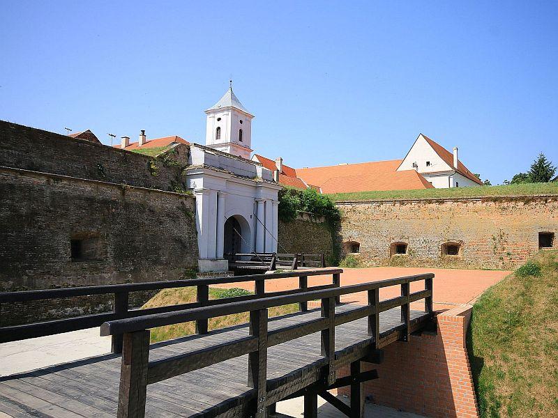 Osijek – zidine i Vodena vrata
