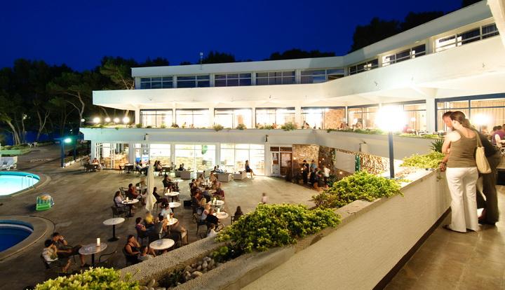 Jelsa, Resort Fontana apartmani (4)